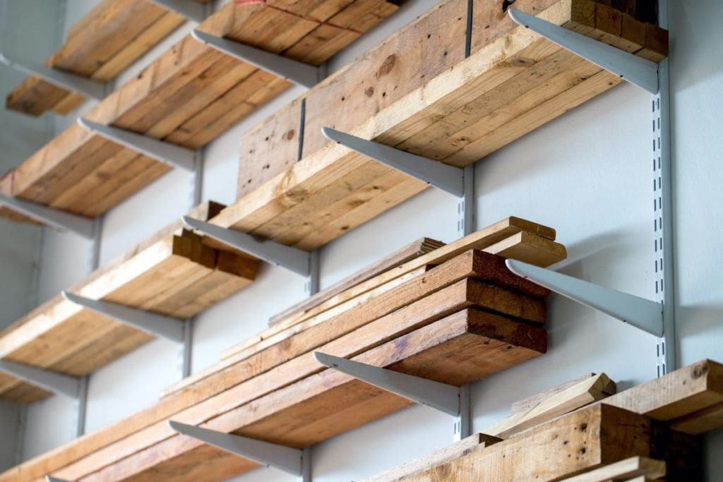 организация склада консольными стеллажами